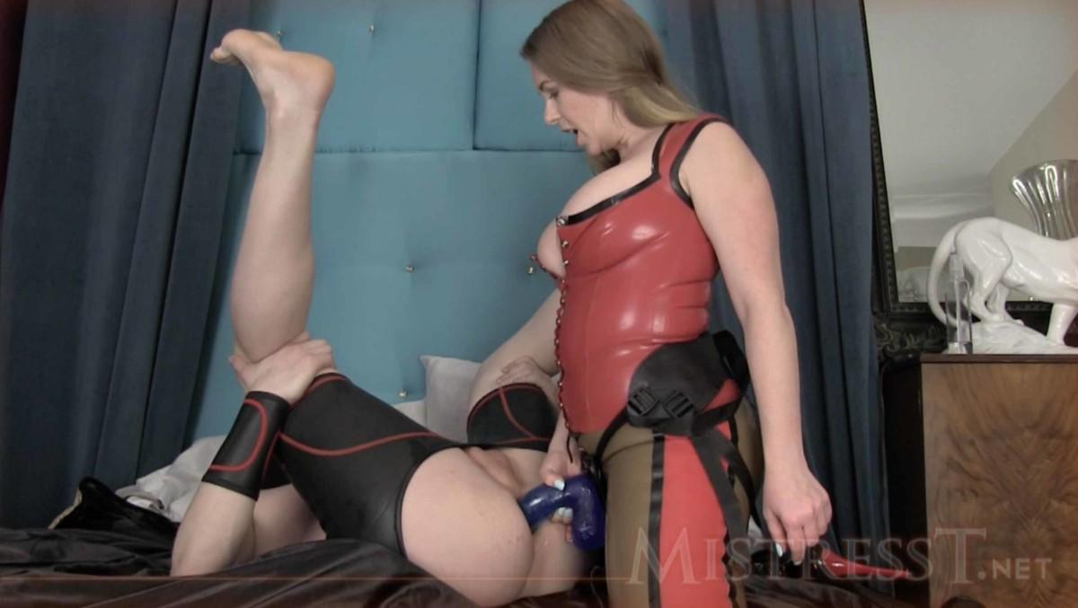 Mistress t gode veramente con lo strapon